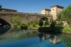 Forntida bro av Bevagna, Italien Royaltyfri Foto