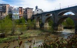 Forntida bro på Roda de Ter Royaltyfri Foto