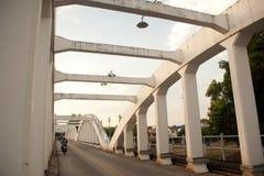 forntida bro thailand Fotografering för Bildbyråer