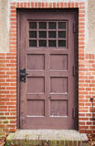 Forntida brun dörr Royaltyfria Foton
