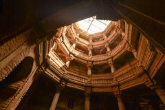 Forntida brunn i Ahmedabad Indien, Gujara royaltyfria foton