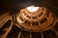 Forntida brunn i Ahmedabad Indien, Gujarat royaltyfri bild