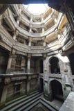 Forntida brunn i Ahmedabad Indien, Gujarat arkivfoton