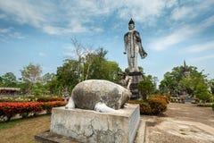 Forntida Buddha i Sala Kaew Ku, - thailändsk tempel i H Fotografering för Bildbyråer