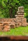 Forntida buddha som inget huvud i historiska Ayutthaya parkera, Ayutthaya, Royaltyfri Foto