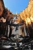 Forntida buddha staty. Historiska Sukhothai parkerar arkivbilder