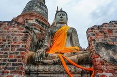 Forntida buddha staty i Ayutthaya, Thailand Arkivfoton