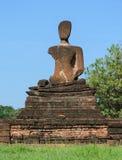Forntida buddha staty i Thailand arkivbilder