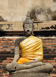 Forntida buddha staty på Wat Yai Chai Mongkhol Royaltyfria Foton