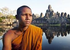 Forntida buddism som beskådar munken Cambodia Concept Royaltyfria Bilder