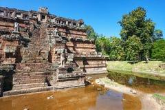 Forntida buddistiskt khmertempel i det Angkor Wat komplex Royaltyfria Foton