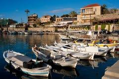 forntida byblos som fiskar port Arkivbilder