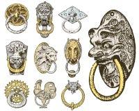 Forntida byggnad för detalj arkitektoniska dekorativa beståndsdelar, trädörrknopp, knackare eller handtag lejon och häst vektor illustrationer