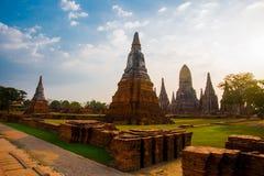 Forntida byggnader i stadsstaden av Ayutthaya askfat thailand royaltyfria bilder
