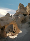 forntida cappadociahus stenar kalkonen Arkivfoton