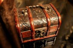 Forntida casket royaltyfria foton
