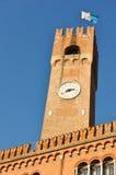 forntida center stadsklockatorn treviso Arkivbilder