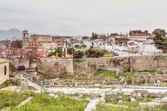 FORNTIDA CORINTHE, GREKLAND - FEBRUARI 17, 2016: Överblick av den historiska platsen forntida Corinth Arkivbilder