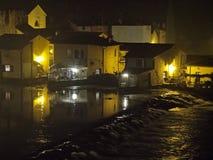 Forntida dimmig natt för landskap Royaltyfri Bild