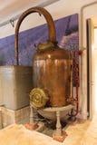 Forntida doft för destillationsapparat för tillverkning av i Fragonard fac Arkivbilder