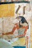Forntida egyptisk målning av Horus Arkivfoton