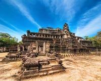 Forntida en khmerarkitektur Panoramasikt av den Baphuon templet på A Fotografering för Bildbyråer