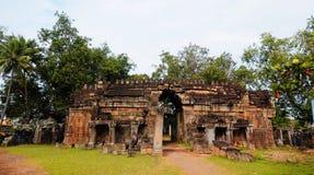 Forntida en khmertempel i Tra Vinh, Vietnam Royaltyfria Bilder