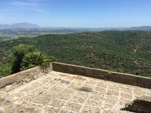Forntida fästning i berg Arkivfoto