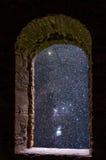Forntida fönster för Orion konstellationer Fotografering för Bildbyråer