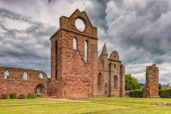 Forntida fördärvar Arbroath Abbey Scotland Arkivbilder