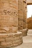 Forntida fördärvar av det Karnak tempelet i Egypten Arkivfoton