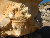 Forntida fördärvar av det medelhavs-, tempel, kolonnader Arkivbild