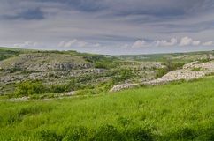 Forntida fördärvar av en medeltida fästning Arkivfoton