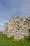 Forntida fördärvar av en medeltida fästning Royaltyfri Bild