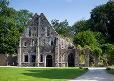 Forntida fördärvar av gästhuset av abbotskloster av Villers la Ville, Belgien Royaltyfria Bilder