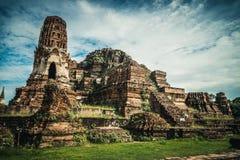 Forntida fördärvar av templet i den Ayutthaya staden Royaltyfri Bild