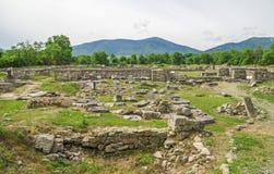Forntida fördärvar av Ulpia Traiana Augusta Dacica Sarmizegetusa i Rumänien Arkivbilder
