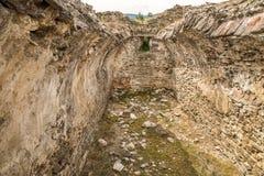 Forntida fördärvar av Ulpia Traiana Augusta Dacica Sarmizegetusa i Rumänien Arkivfoton
