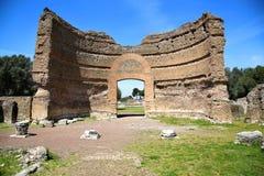 Forntida fördärvar av villan Adriana, Tivoli, Italien royaltyfri bild