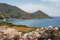 Forntida fördärvar i den forntida staden av Knidos Landskapet med forntida fördärvar Den gamla havsporten av Knidos kalkon Royaltyfri Bild