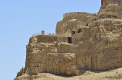 Forntida fördärvar på det Masada berg. arkivfoto