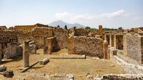 Forntida fördärvar på Pompeii, Italien arkivbilder