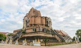 Forntida fördärvar pagoden i Chiang Mai, Thailand arkivbild