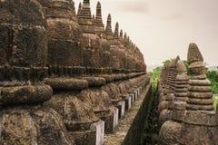 Forntida fördärvar templet i den Mrauk-U staden Arkivfoto
