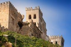 Forntida förstörd fästning i Tangier, Marocko arkivbilder
