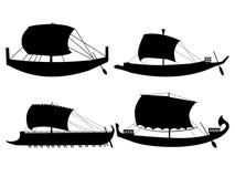 forntida fartyg seglar Arkivfoto