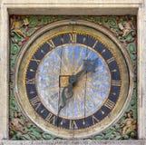 Forntida fyrkantig väggklocka Royaltyfri Fotografi