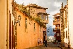 Forntida gata i La Orotava, Tenerife Royaltyfri Fotografi