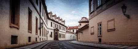 Forntida gata i Prague, utan folk Royaltyfri Fotografi