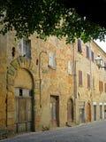 Forntida gata Volterra Italien Arkivfoto